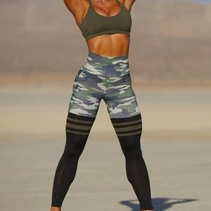 Bombshell Camo Leggings Small
